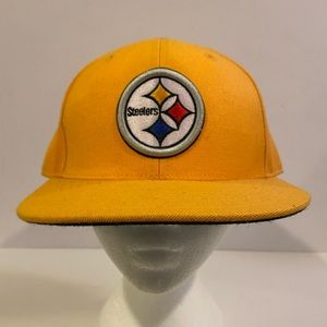 Pittsburg Steelers fitted yellow hat size 7 3/4